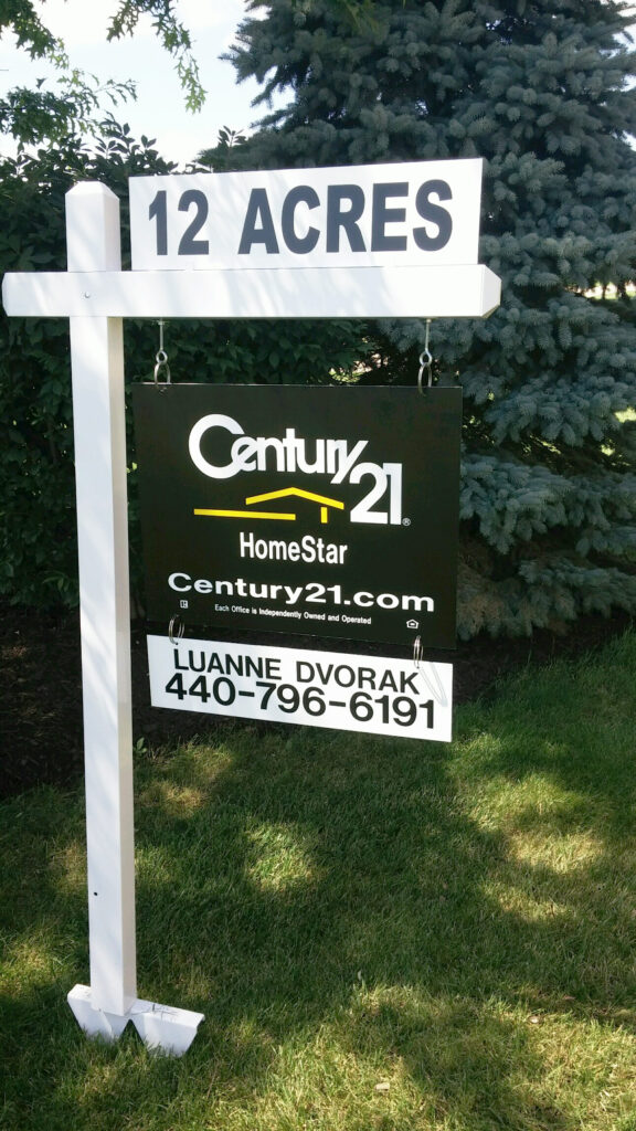 vinyl post sign design with hanging panel